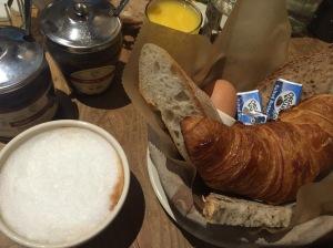 Le pain quotidien - Le petit déjeuner - Frühstück New York