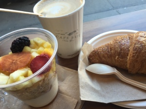 Cafe Bari SoHo Tribeca New York Croissant Fruits Joghurt Granola