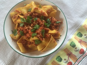Hühnerbolognese mit Pappardelle