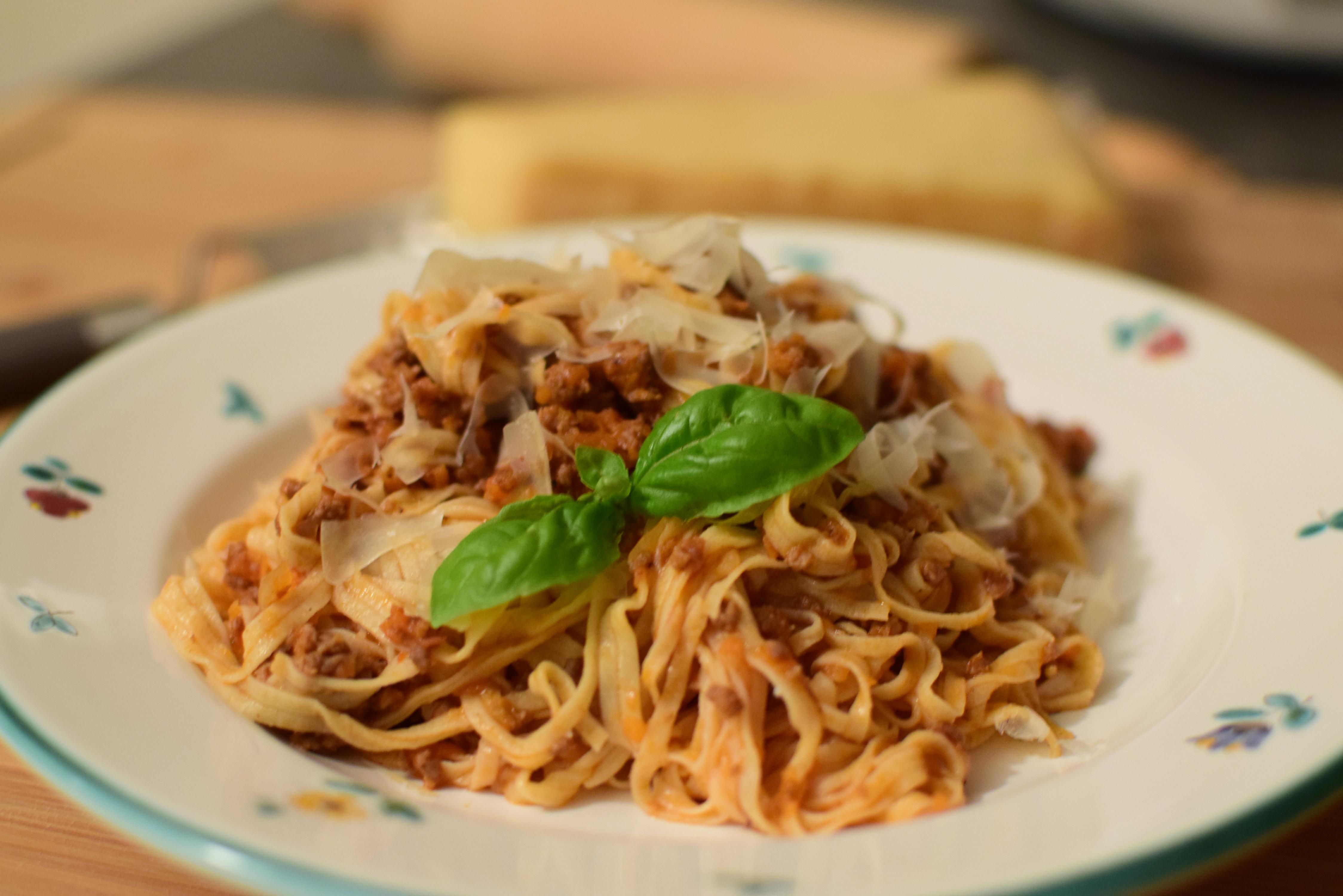 nudeln oder wie die italiener sagen pasta selber machen ist eigentlich ganz einfach claudia. Black Bedroom Furniture Sets. Home Design Ideas