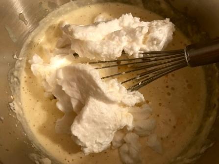 Kaiserschmarren Bio - Schnee und Mehl einrühren