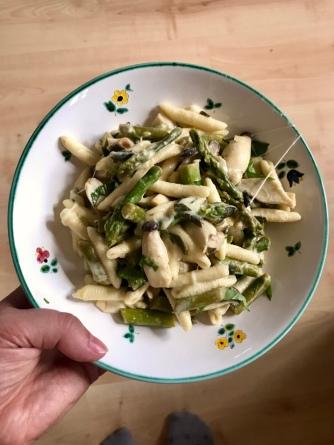 Pasta grüner Spargel Pilze Kräuterseitlinge