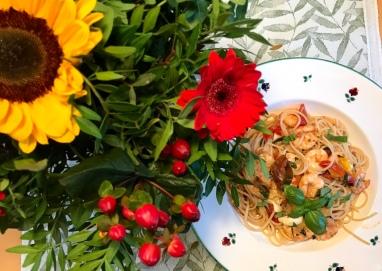 Spaghetti mit Garnelen und Tomaten